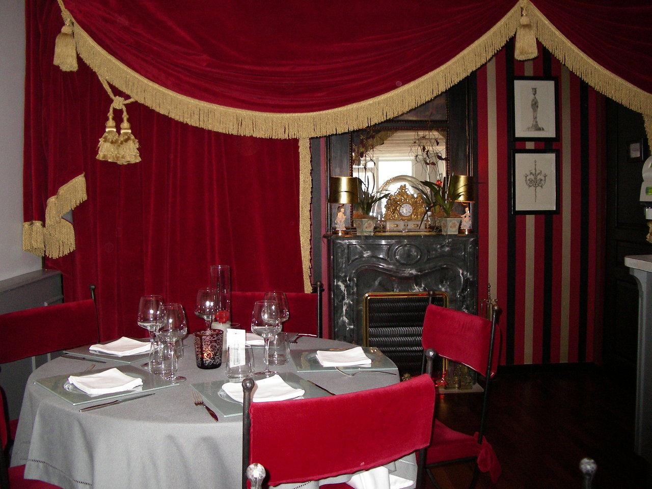 Site du restaurant Le Rideau Rouge à Tours   Wix.com