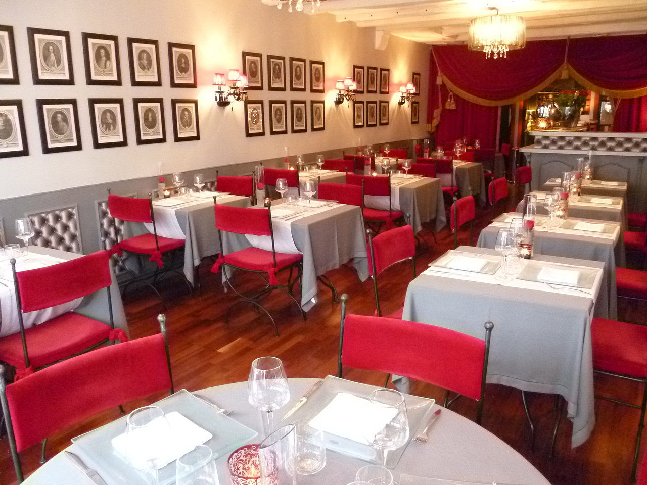 Beautiful Rideau Rouge Tours Idees - Idées décoration intérieure ...