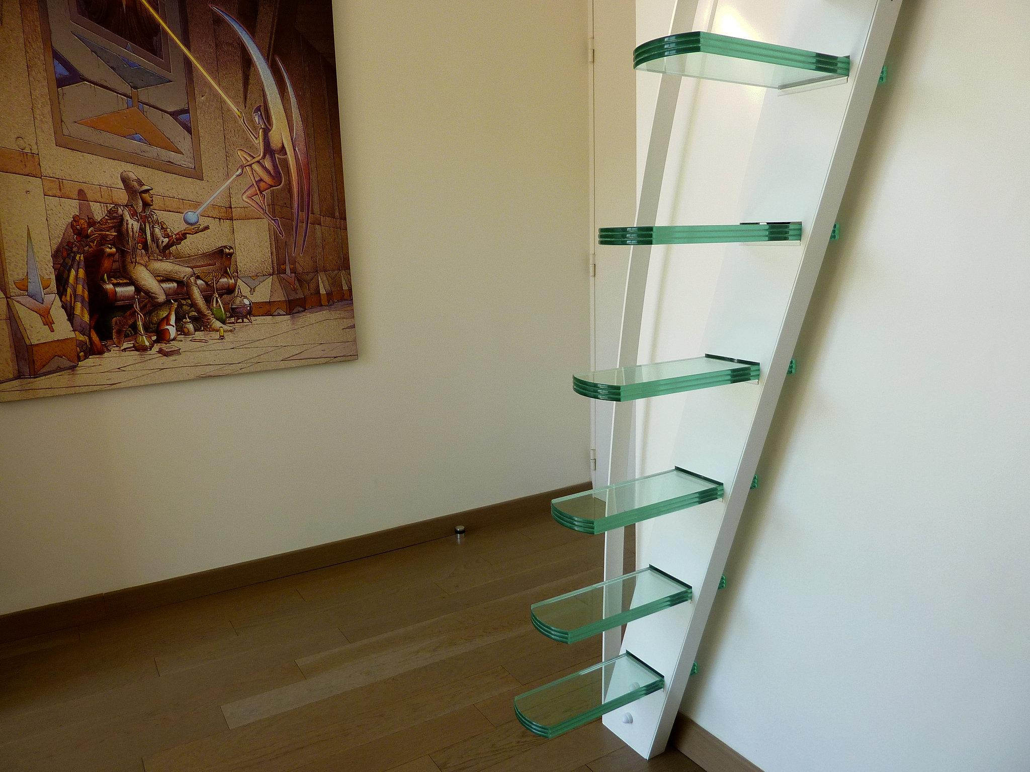 escalier mobilier mezzanine design la stylique paris mezzanine design marches en verre. Black Bedroom Furniture Sets. Home Design Ideas