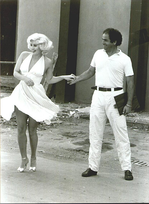 Ponziani Playing A Marilyn Monroe