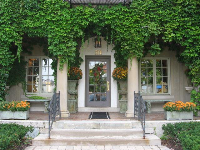 Chapman house classic home for Chapman house