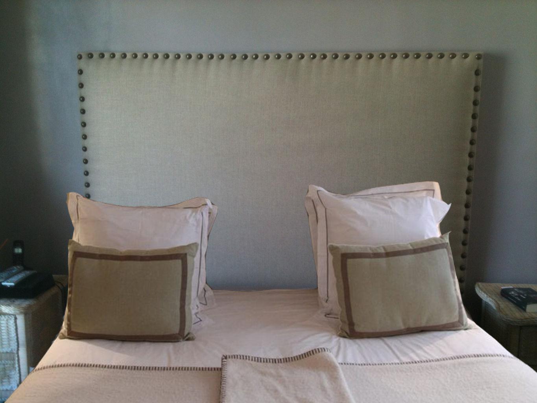 Donna design d co mur capitonn houppa cabine dj - Tete de lit en forme de coeur ...