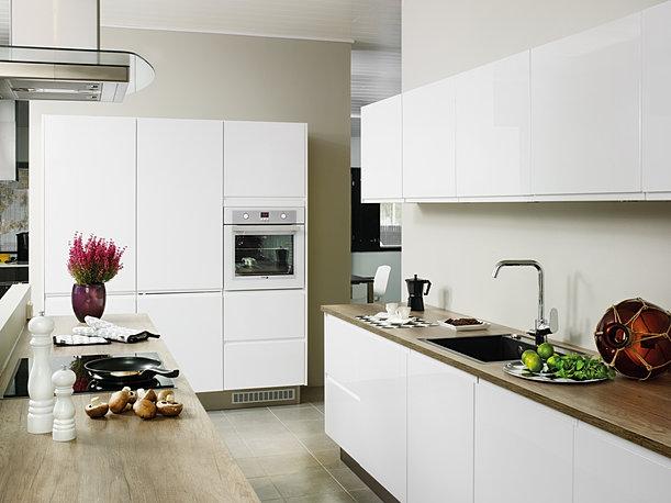 Kalustepisara  keittiö, kodinhoitohuone, liukuovi, komero, kuvia