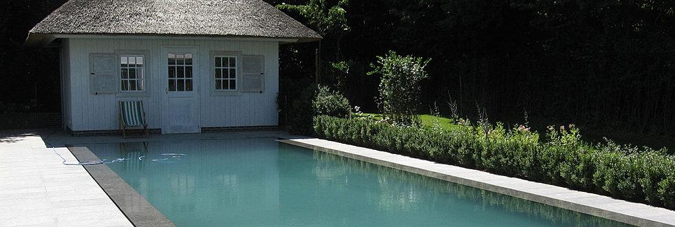 Constructeur de piscines belgique piscines b ton arm for Piscine miroir noire
