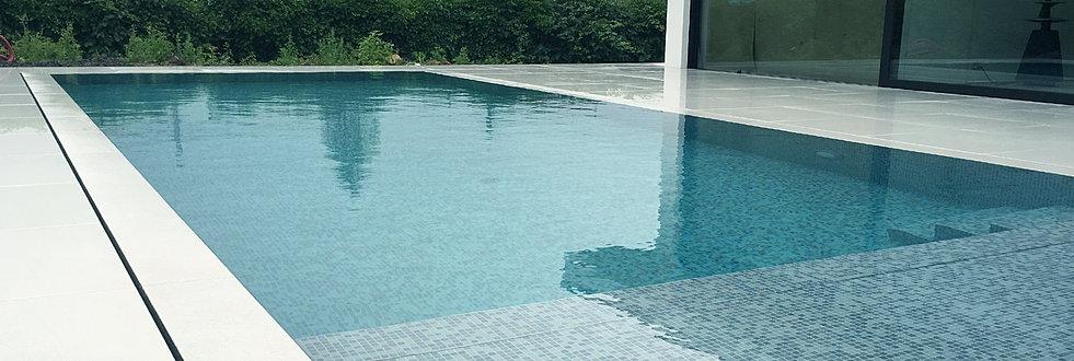 Constructeur de piscines belgique piscines b ton arm for Piscine miroir plage