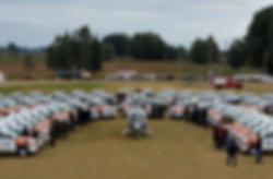 Daniel entregó 120 camionetas más para c