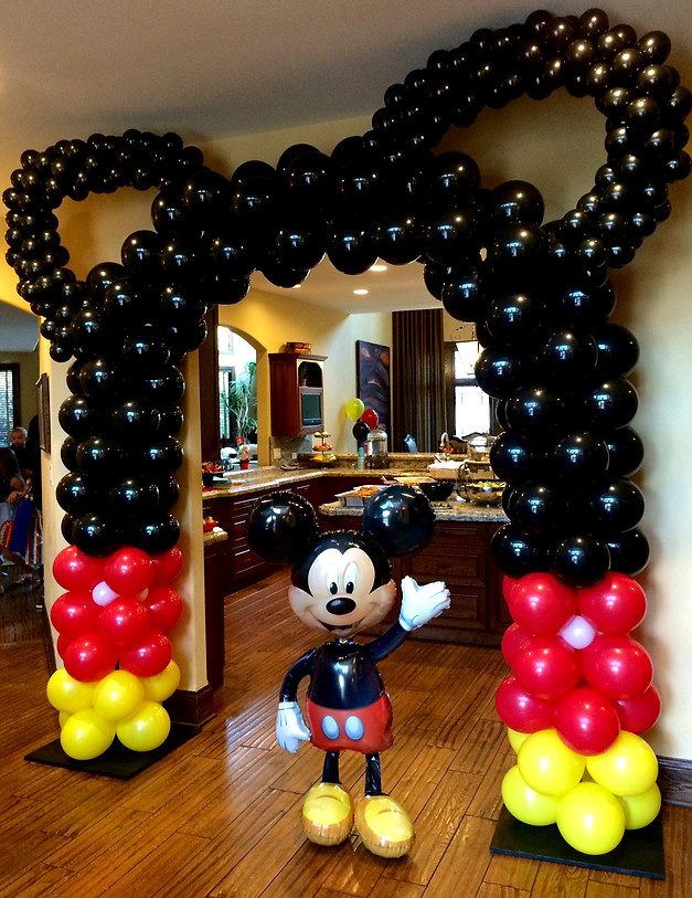 Mickey mouse birthday balloon decoration image for Balloon decoration chicago