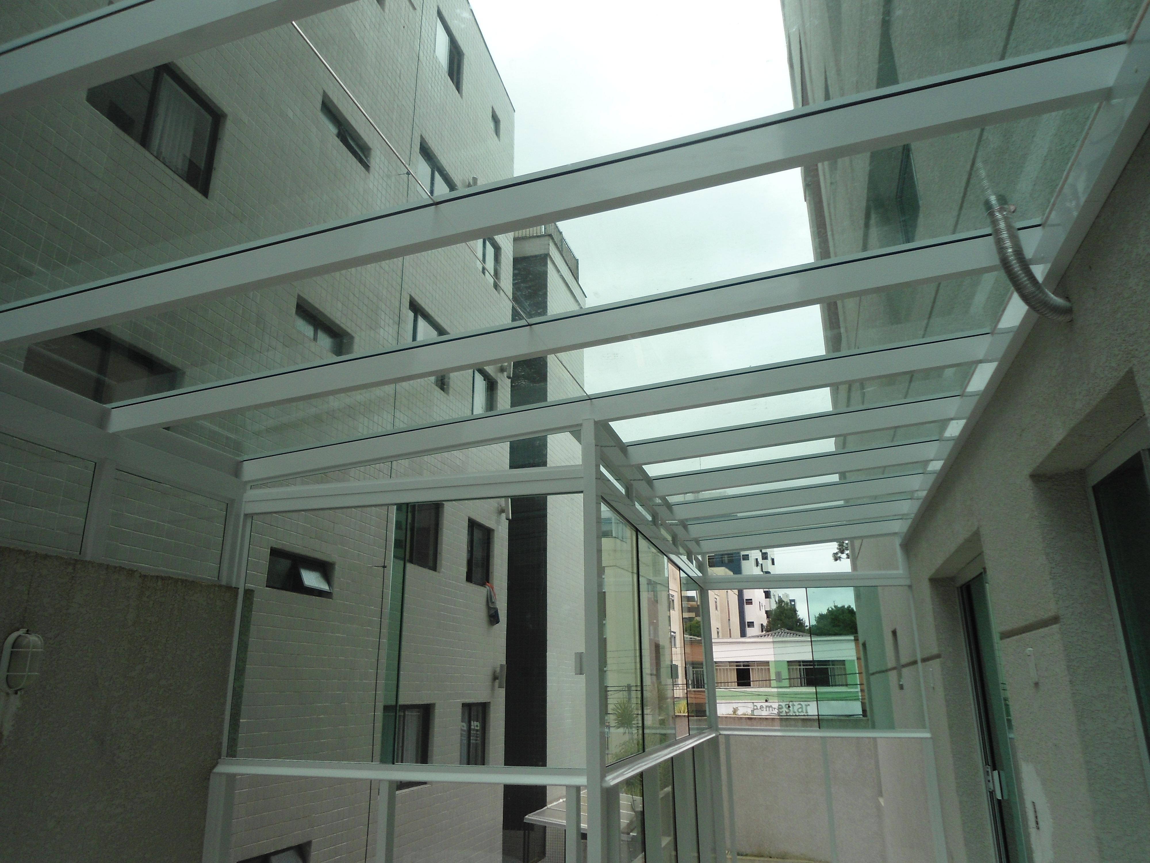 #48836F  em alumínio branco fechamento com janela de correr duas e quatro 838 Manutenção De Janelas De Aluminio Em Curitiba