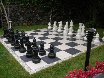 Omnichess ajedrez gigante for Ajedrez gigante jardin