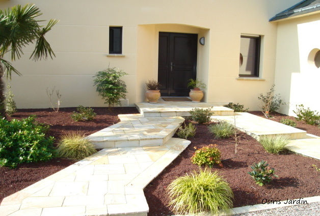 Osiris jardin emmanuel garnaud paysagiste st viaud pr s for Allee devant maison