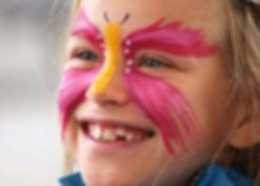 Vi har flere aktiviteter for barn under Scandic Norsk Derby på Øvrevoll Galopp. Tivoli, ponniridning, klovner, ballonger, ansiktsmaling