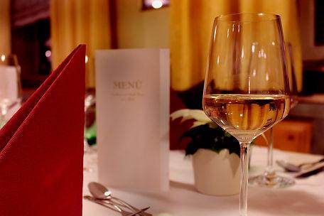 Weinglas Weihnachtsstern.jpg