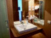 Badezimmer 01 klein.jpg