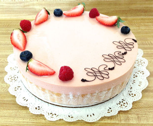 guava mousse cake enjoy the full taste of the guava fruit yellow cake ...