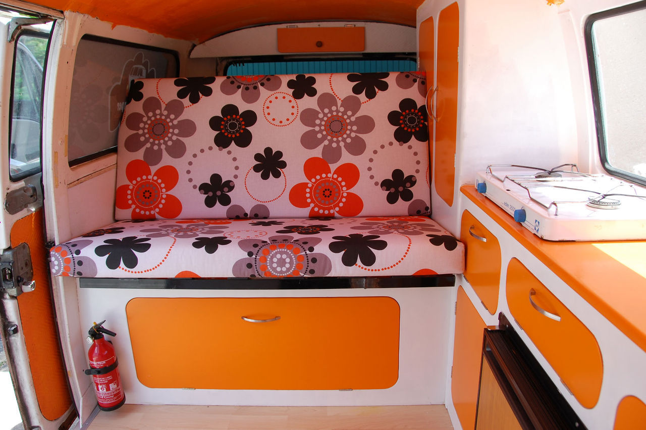 travel camper location de vans am nag s. Black Bedroom Furniture Sets. Home Design Ideas