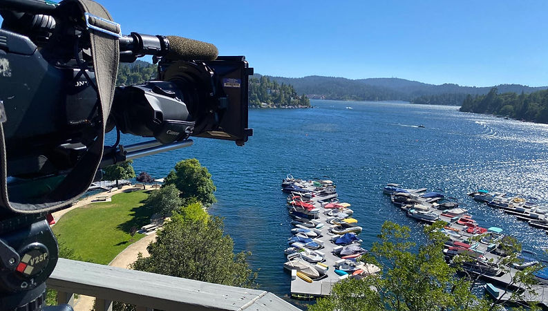 Filming_location-Woods-lake-forest.jpg