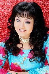HUONG LAN - Singer