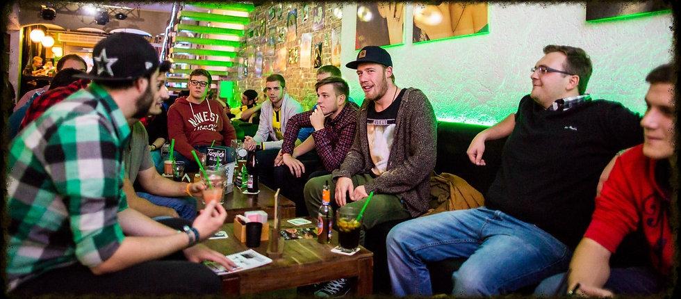 Wohnzimmer Bar Coburg & Würzburg | RESERVIEREN