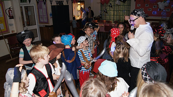Entertainment for kids and adults kids for Party entertainment ideas for adults