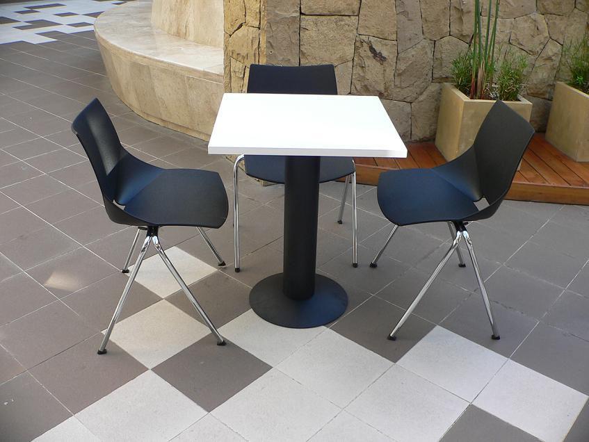 Mesas y sillas cafeteria mobiliario restaurant sillas for Mesas y sillas para oficina