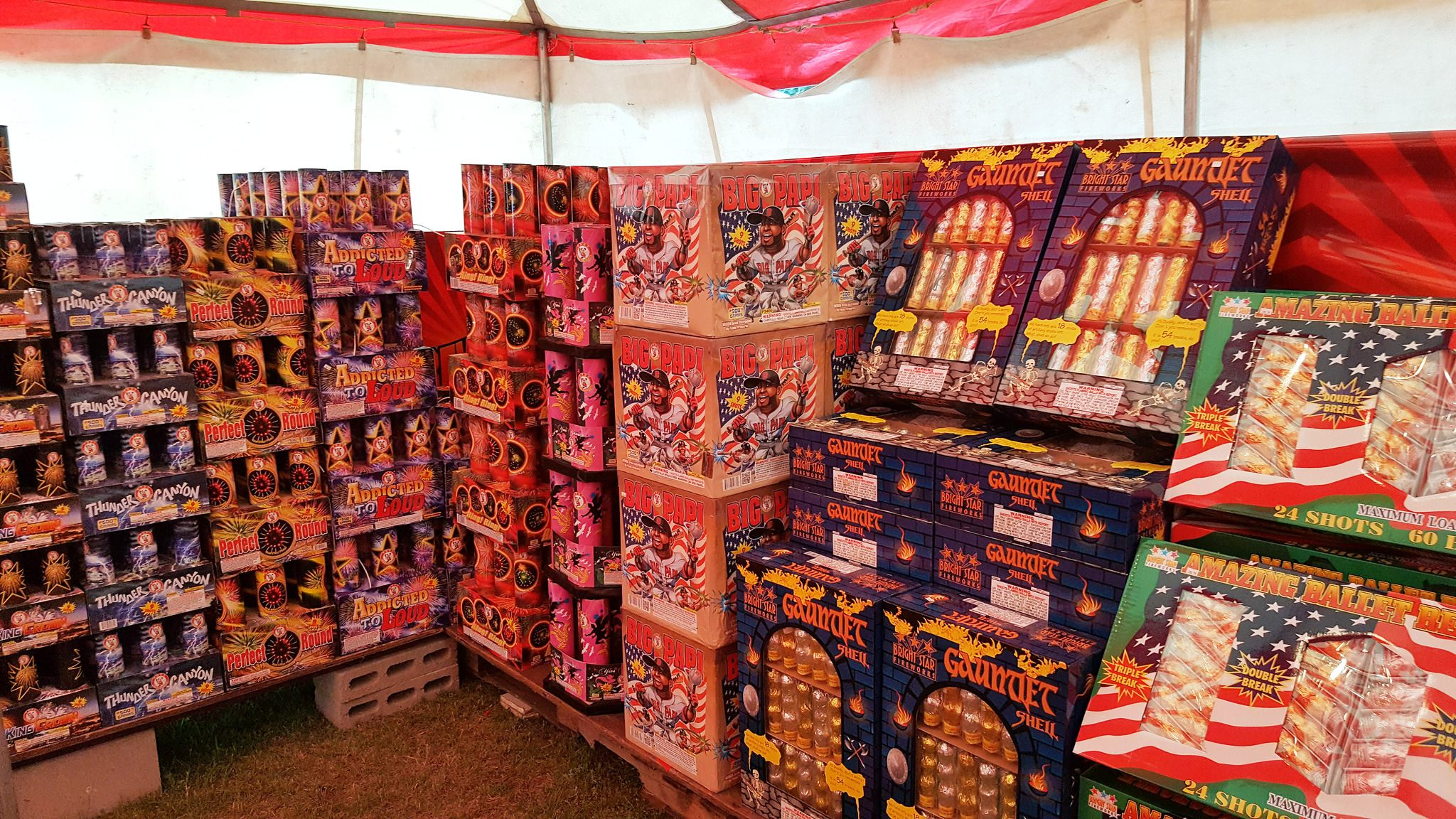 Giant Fireworks Tent Open in Spread Eagle Wisconsin! | Spread Eagle Fireworks - Retail Fireworks in Michigan and Wisconsin. & Giant Fireworks Tent Open in Spread Eagle Wisconsin! | Spread ...