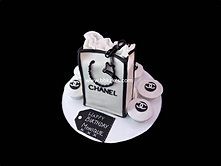 Chanel Gift Bag Cake and Cupcakes bbkakes