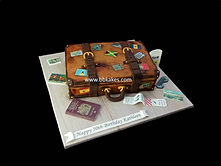 Vintage Leather Suitcase cake bbkakes