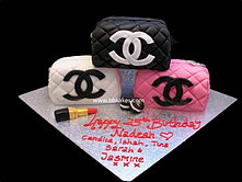 x3 Chanel trio Purses cake