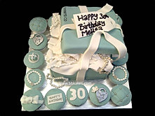 Tiffany Box Open lid Cake