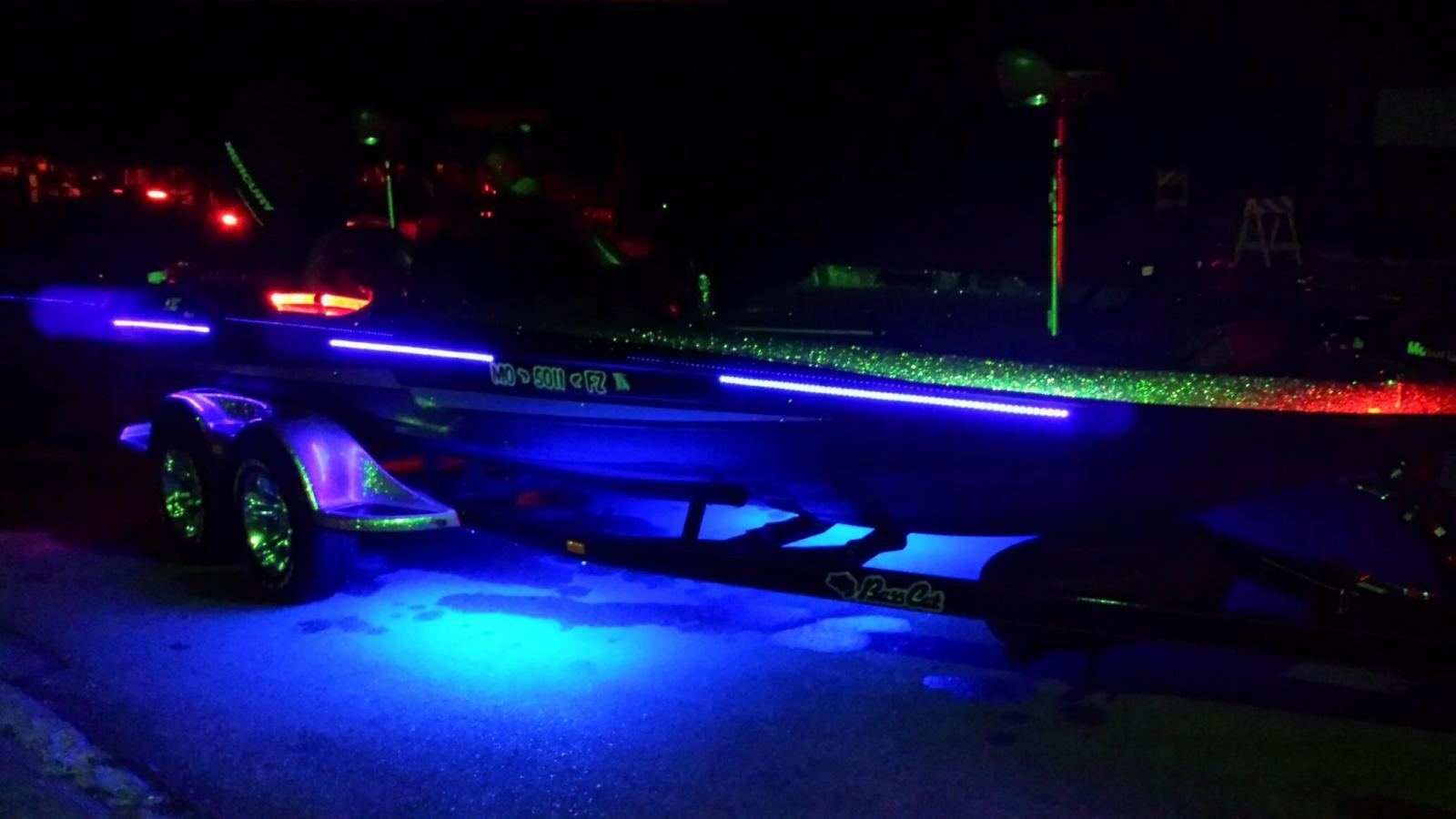 Eo uv blacklight strip kit underwater green fishing for Fishing lights for boats