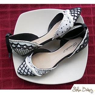 Black and White strap flats