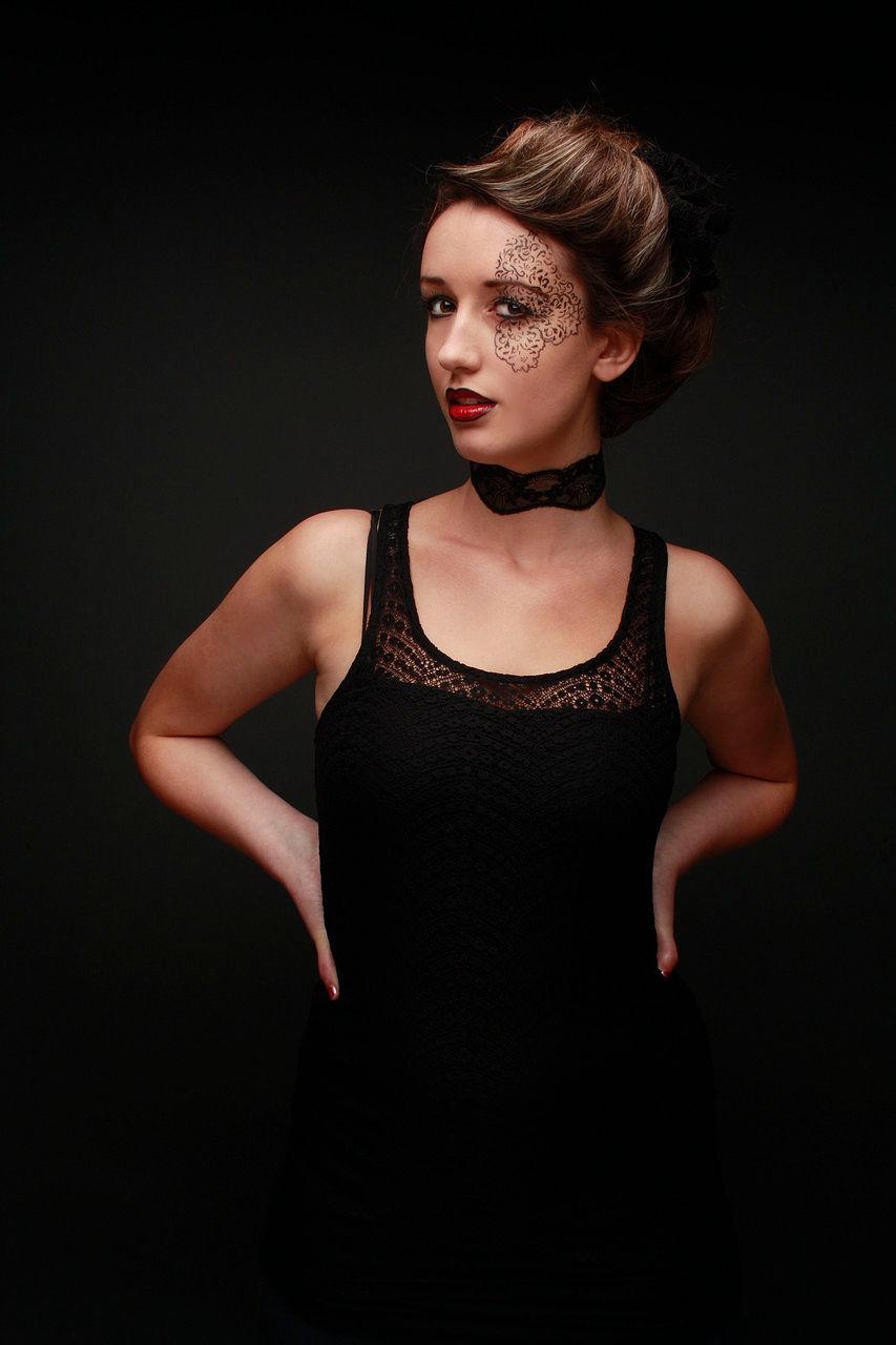 Sarah Clements Nude Photos 29