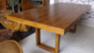 Mesa Confeccionada com Peroba Rosa de Demolição