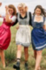 group_female_Motiv_01_4020 1.jpg