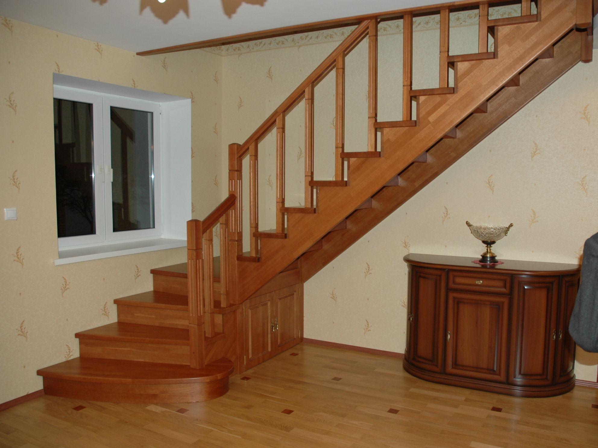 Деревянные лестницы на заказ в Воронеже