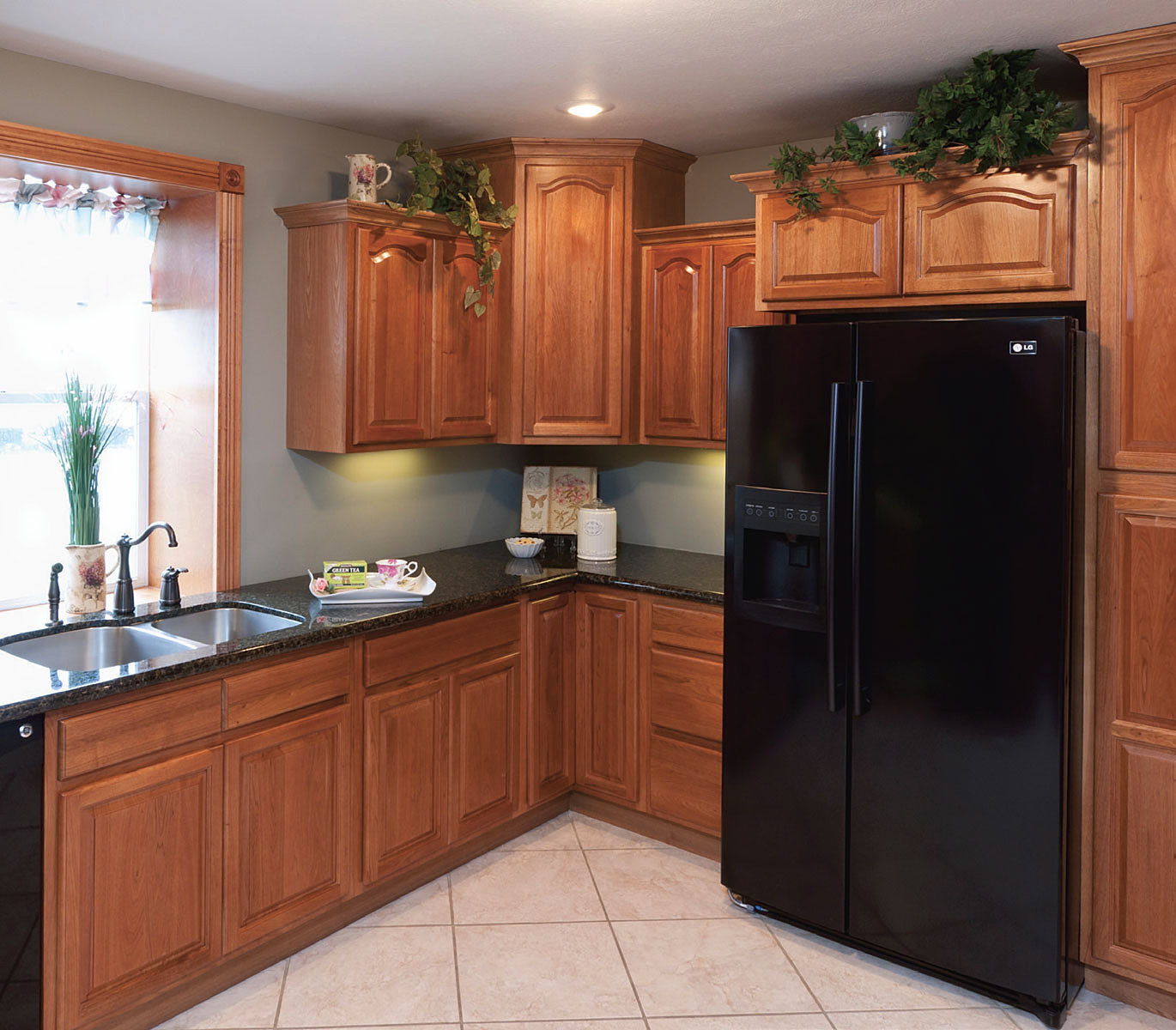 Kitchen remodels granite counter tops importer of 100s for Cathedral arch kitchen cabinets
