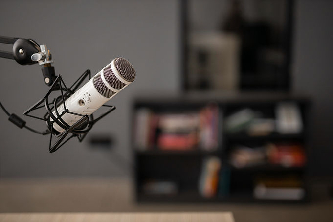 side-view-radio-microphone-with-copy-space.jpg