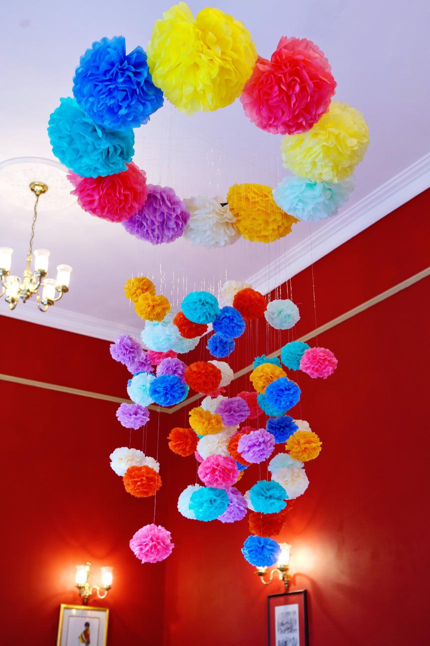 Цветы украшения из гофрированной бумаги своими руками