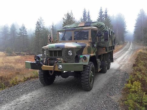 M6 Lastebil for kunde transport