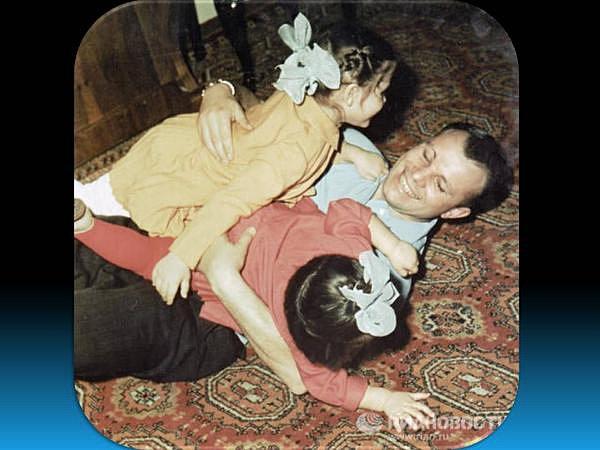 Изображения, ставшие культовыми, и малоизвестные фотографии Юрия Гагарина.