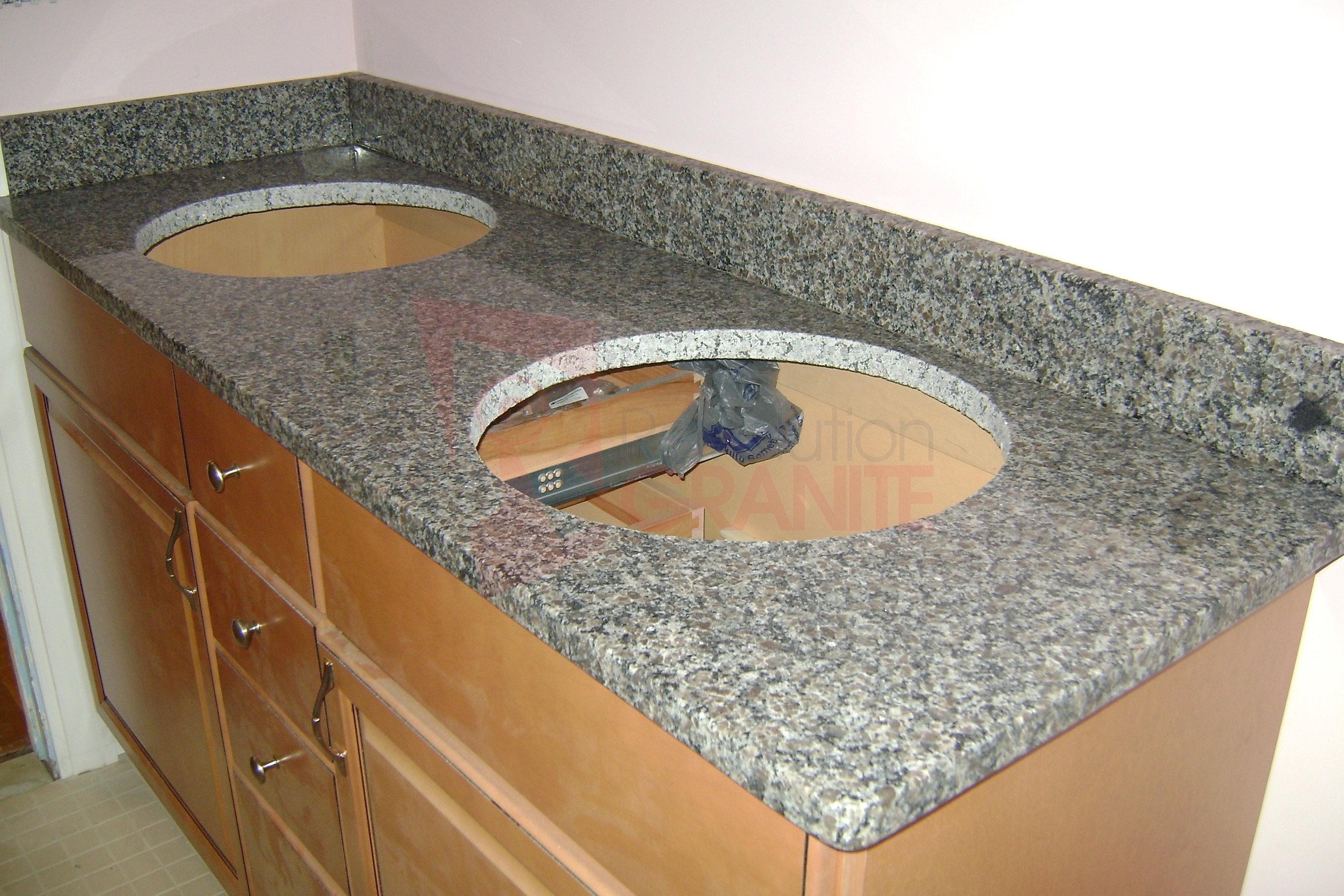Caledonia Granite Kitchen Kichen Granite Countertop Granite Fabricator Kitchen Countertops