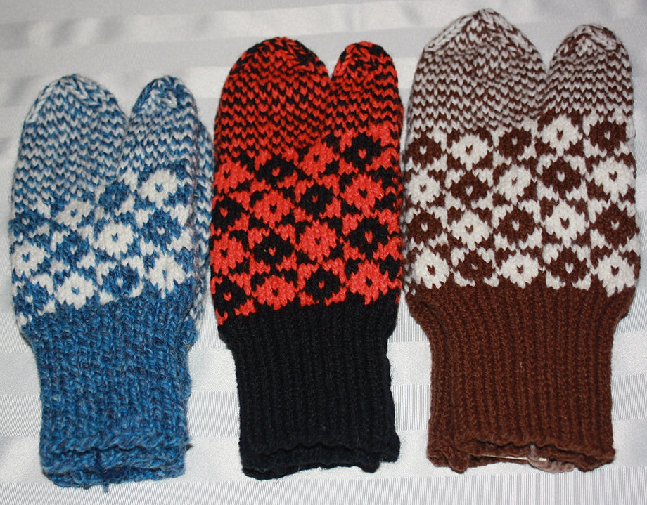 Double Knit Mittens Free Pattern : Aunt Maggies Homespun Mittens and Gloves