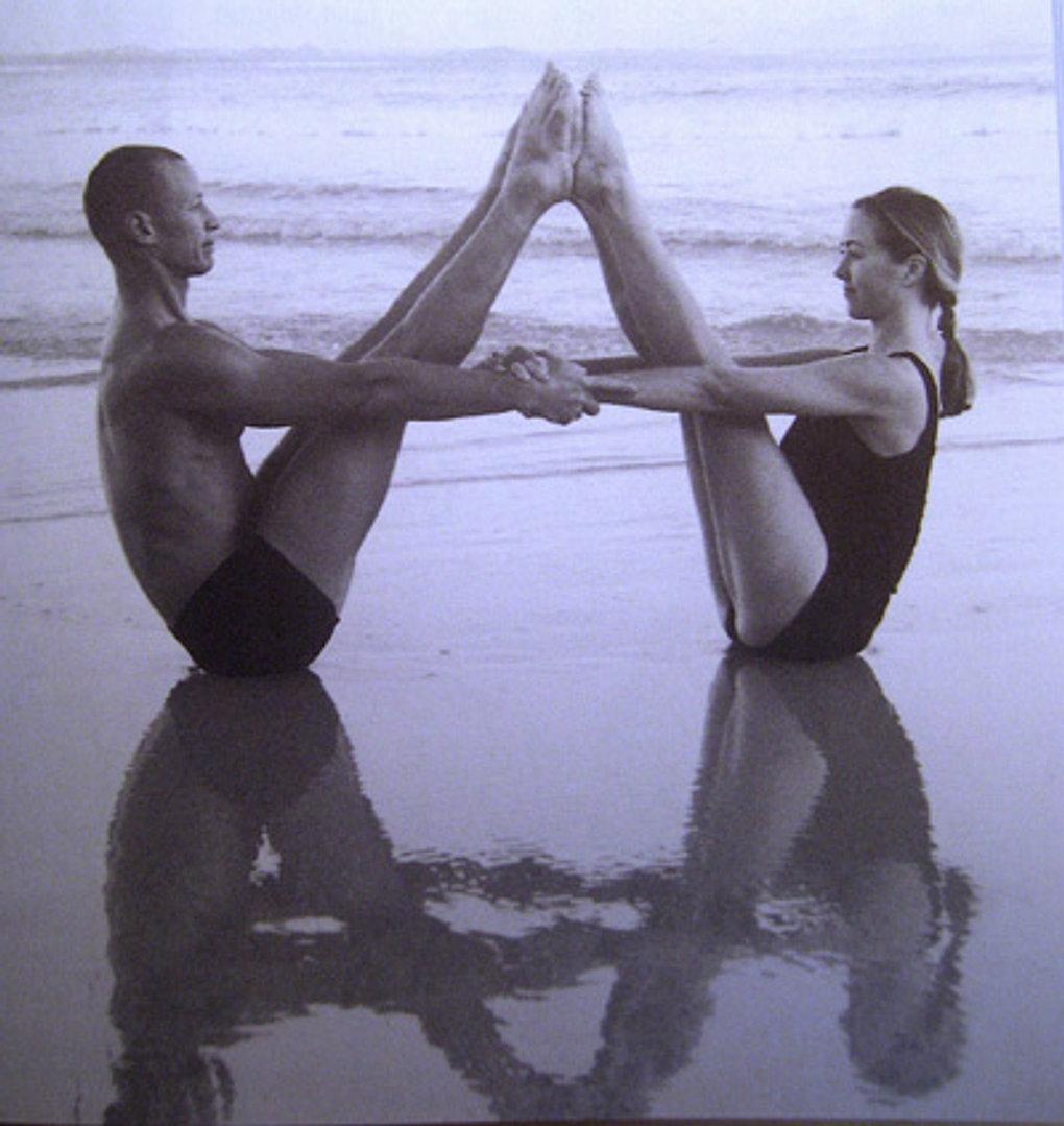Йога голая смотреть