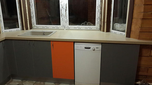 кухня в эркерном подоконнике