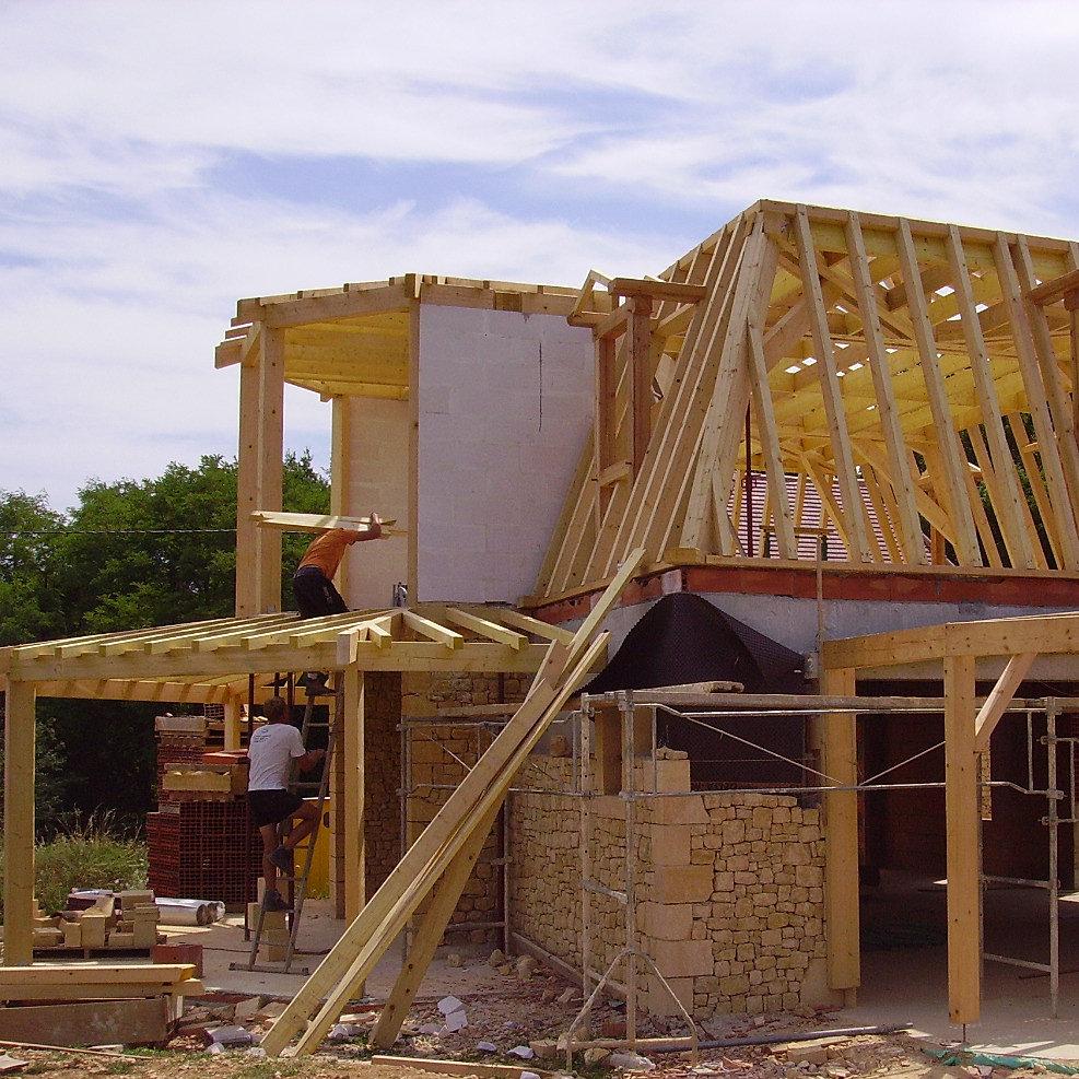Construction maison traditionnelle dordogne