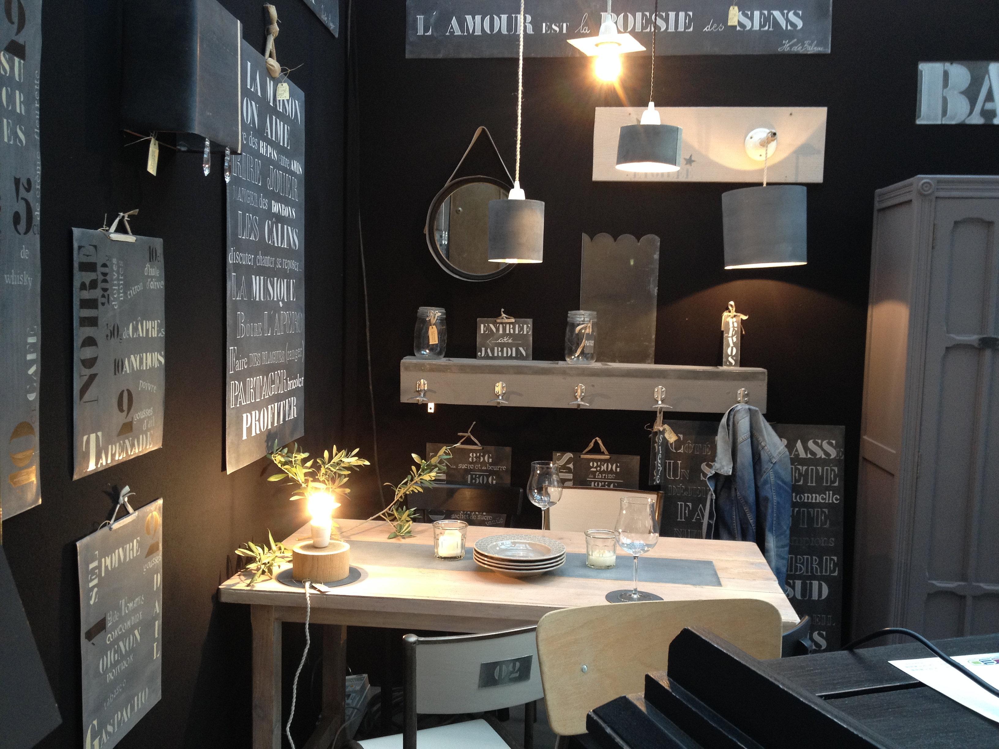 Int rieur zinc stand salon d co la rochelle for Interieur zinc
