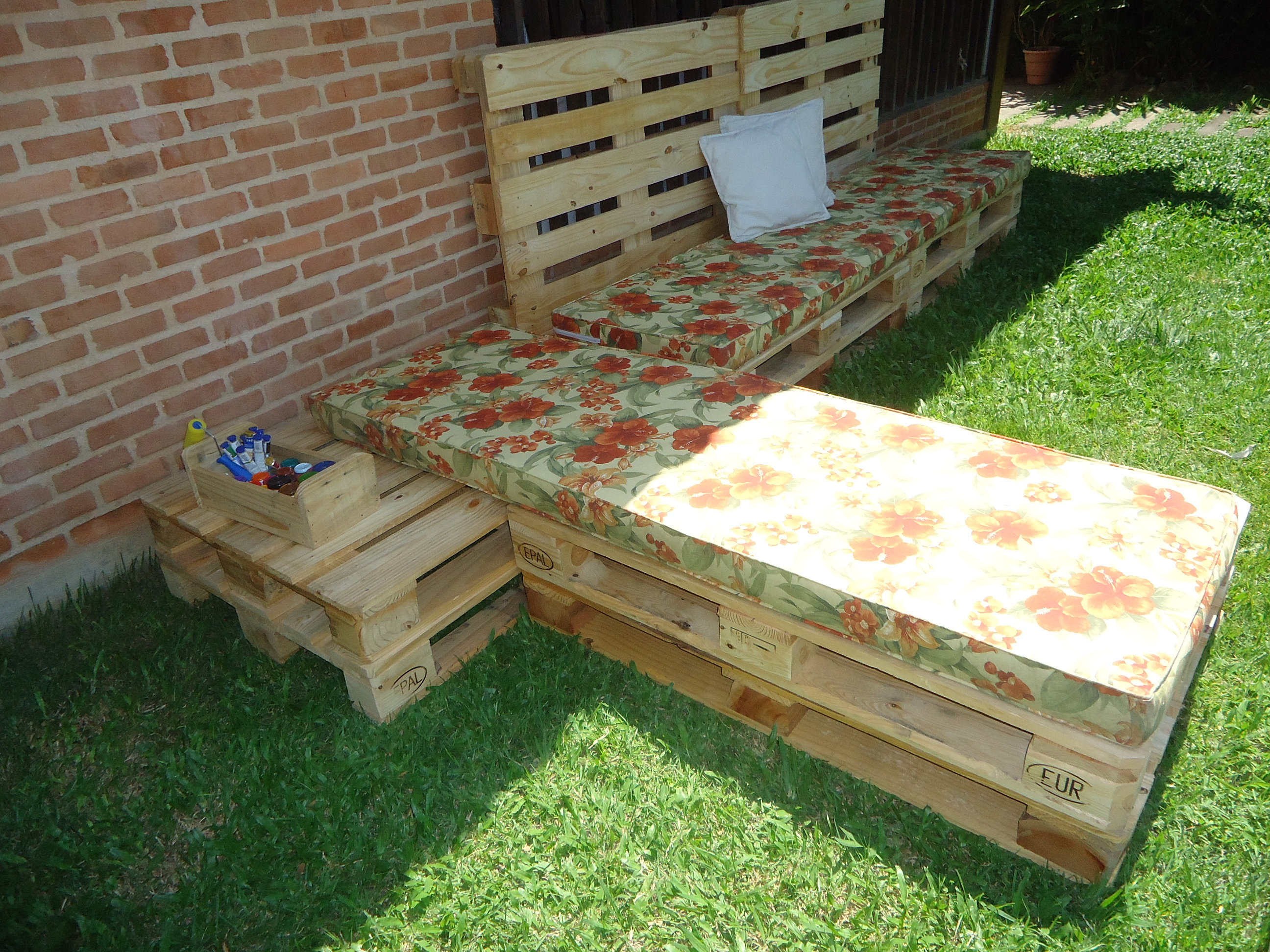 sofá de palete paletes pallet pallets.JPG #B79514 2592x1944