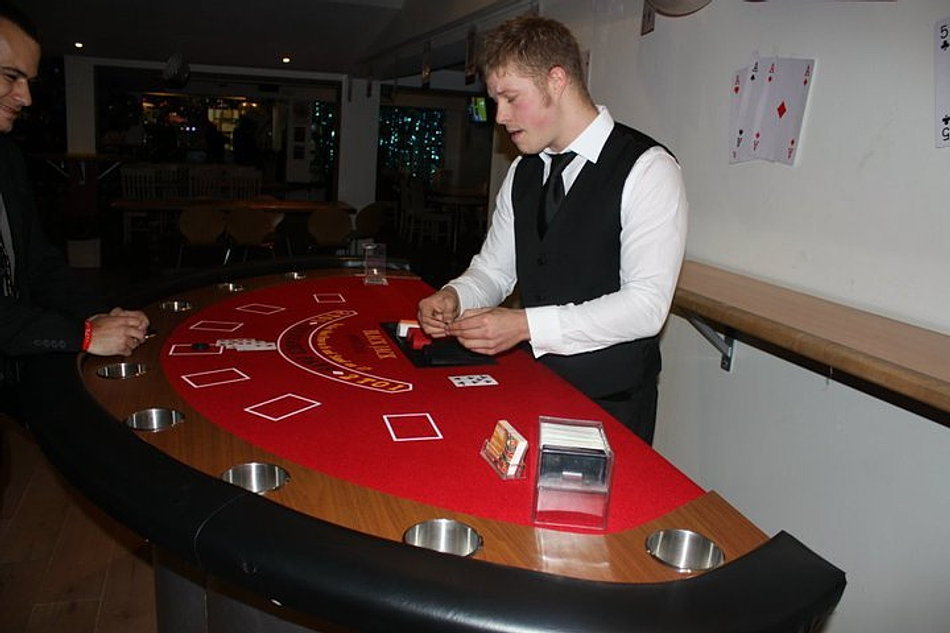 Lucky 7 Seven Sided Poker Table Hi Res Photos Outdoor