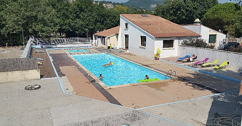 Camping le rieutord for Camping montelimar piscine