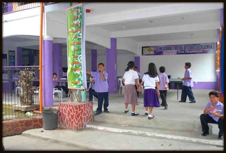 school canteen_picnik